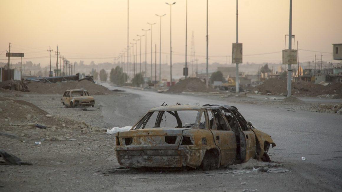2048px-Outskirts_of_Mosul_Northern_Iraq_Western_Asia._17_November_20161