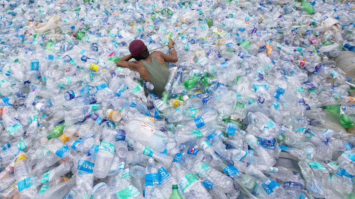 Zwemmen in plastic.