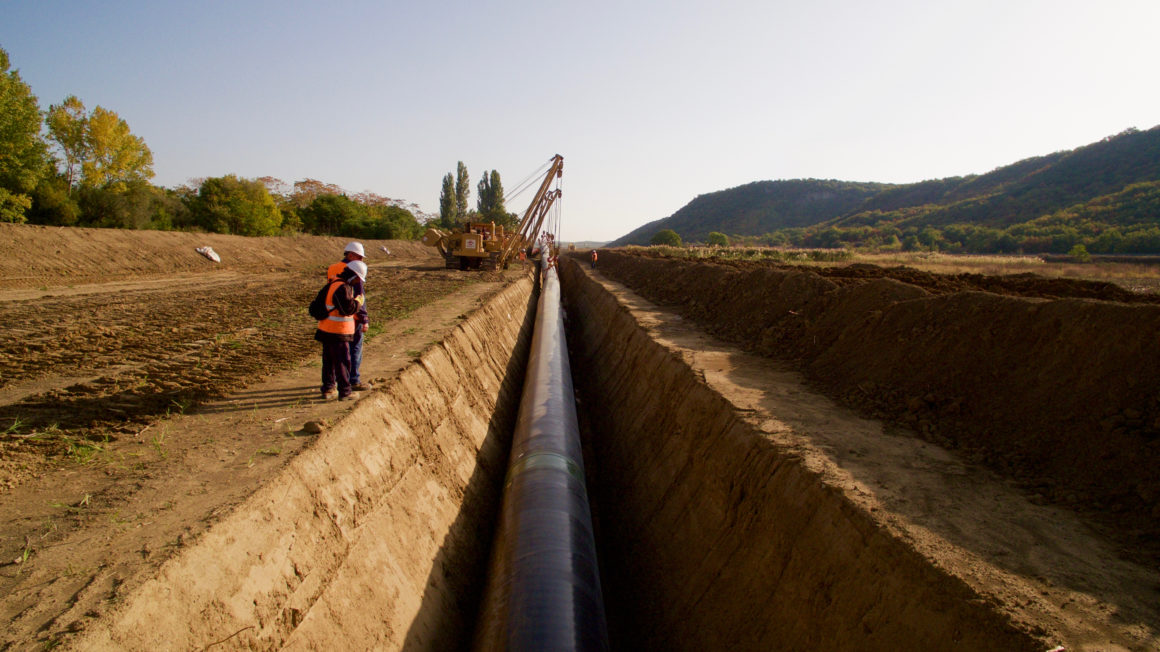 ©Trans-Adriatic-Pipeline-_Lowering-in-Northern-Greece-November-2016