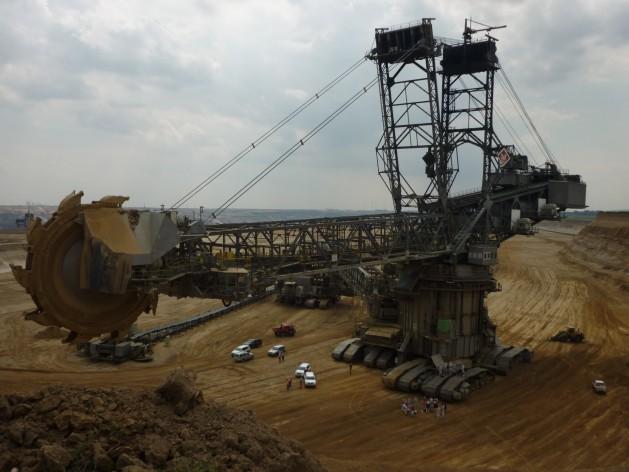 Coal-excavator-ausgeCOhlt-629×472