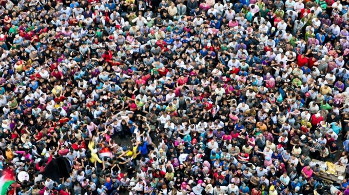 swarm-people-680×380