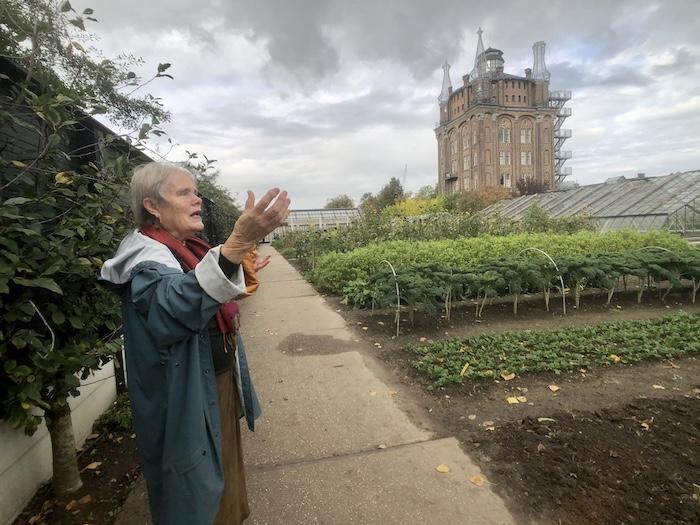 Hannah Bok: gids en tuinvrouw van Villa Augustus sinds 2007