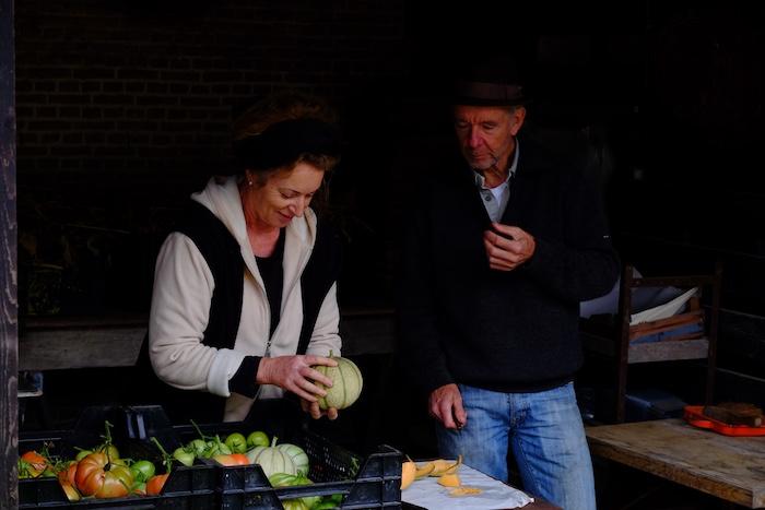 Kate en tuinman Daan op Landgoed Dordwijk
