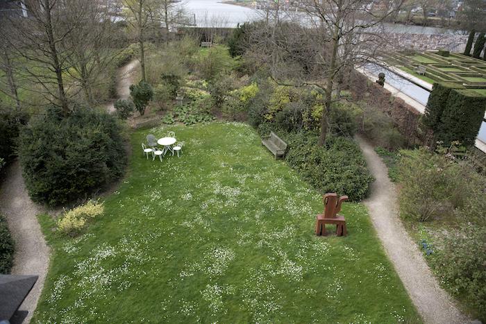 Uitzicht op de tuinen en het Wantij