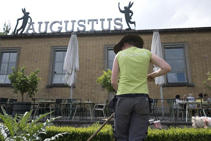 De letters van Villa Augustus van Willem van Zoetendaal