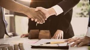 مهمة الوسيط التجاري بين البائع والمشتري