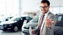 مندوب مبيعات سيارات