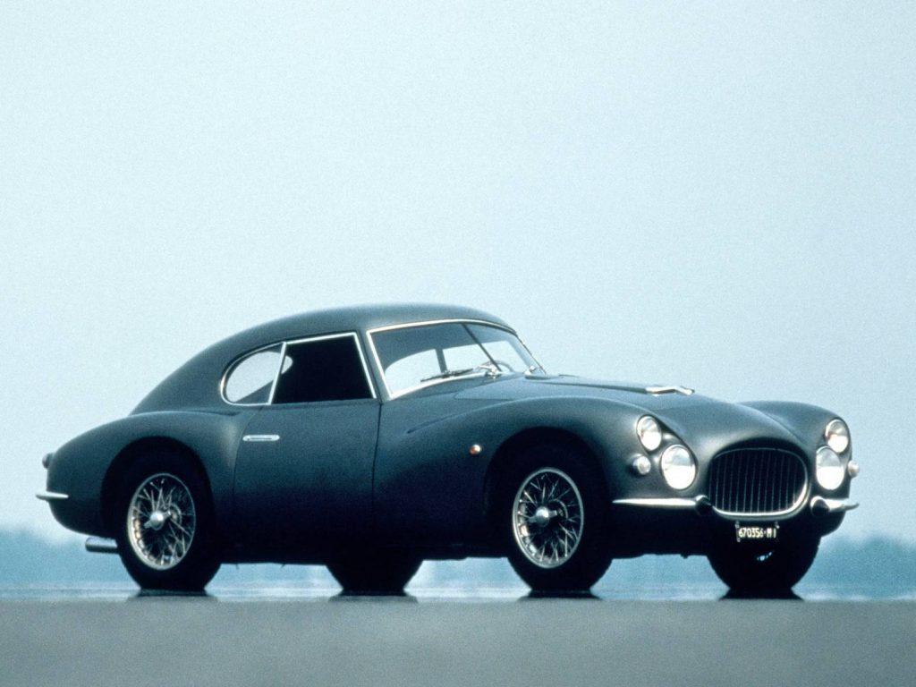 فيات 1952 V8