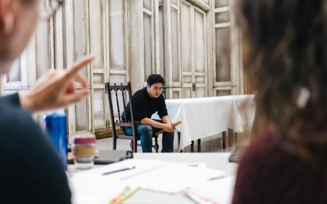 Kang Wang (Tamino) in rehearsal © Tom Arber