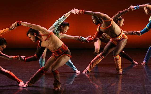 Phoenix Dance Theatre's Troy Game © Brian Slater