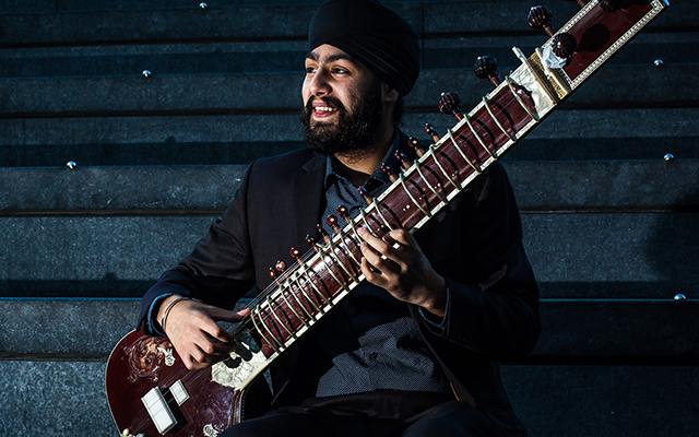 Image of Jasdeep Singh Degun playing a sitar