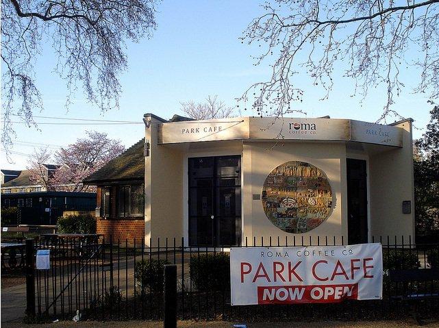Southwark Park Cafe, Centre of the park