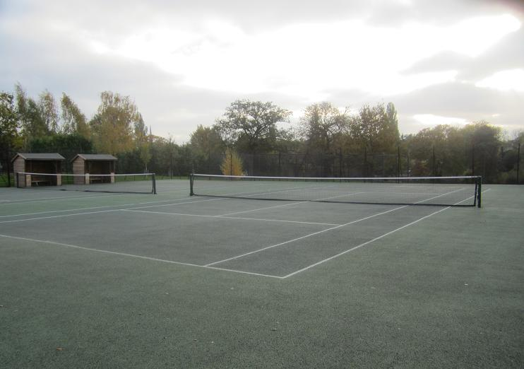 There are six public tennis courts in Brockwell Park