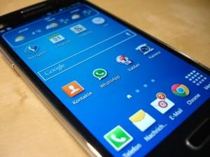 smartphone-325482_640