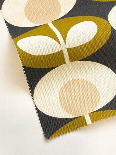 Orla Kiely Oval Flower Seagrass Electric Roman Blind