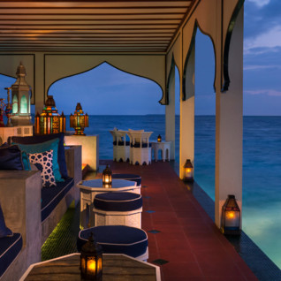 Picture of the Bar at the Four Seasons Landaa Giraavaru
