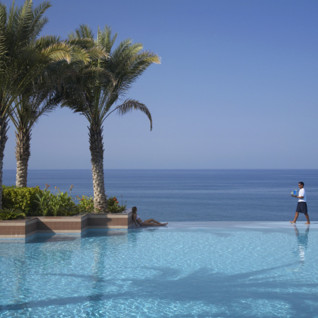 Pool at Shangiri- la Barr al Jissah, luxury hotel in Muscat, Oman