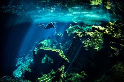 Cenote diving yucatan mexico