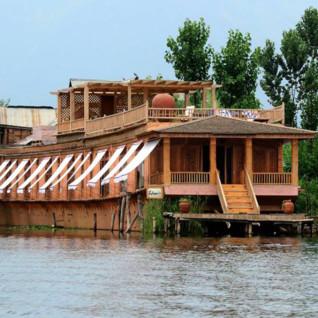 Sukoon Houseboat