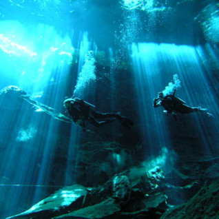 Picture of cenote dive in mexico