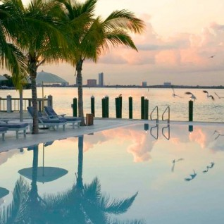 Spa pool at The Standard, luxury hotel in Miami