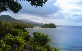 Picture of mountainous landscape at Milne Bay