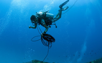 Picture of a scuba diver in the central Atolls