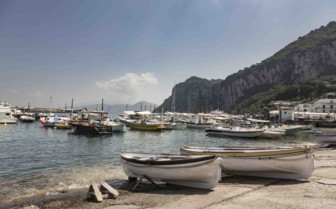 A clustering of boats in Capri