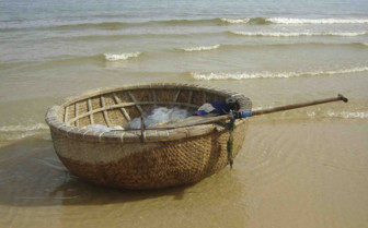 Traditional Vietnamese Rowing Boat