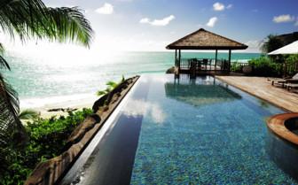 Villa swimming pool at Fregate Island