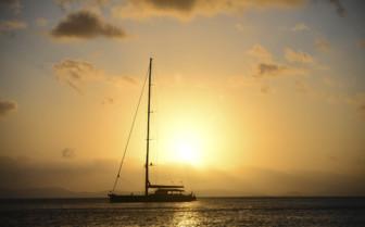 Sunset sailing in the Whitsundays