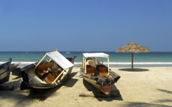 Ngapali beach boats