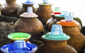 Drinking vessels in Yangon