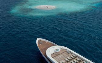 Scubaspa Ying approaching an Island