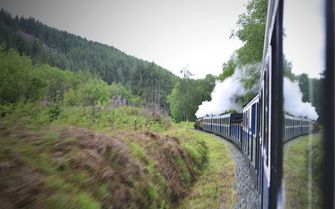 A steam train on Ravenglass & Eskdale Railway