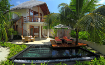 Villa with pool at Constance Halaveli Resort