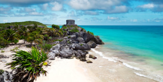 Picture of ruins on the beach in Riviera maya