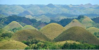 Cone-shaped green hills in Bohol