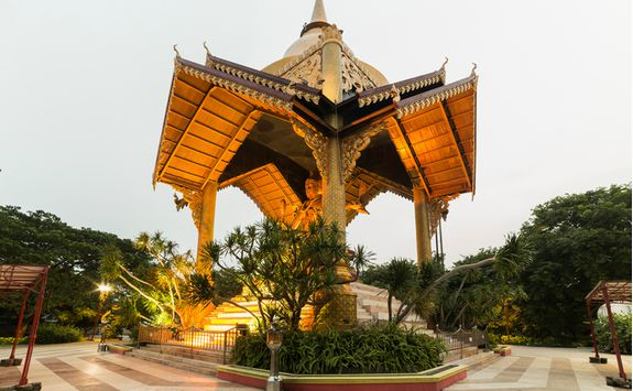 Ganesh Himal, Surabaya