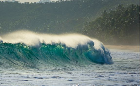 sumba island large wave surfing