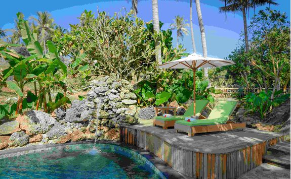 nihiwatu spa private sun loungers
