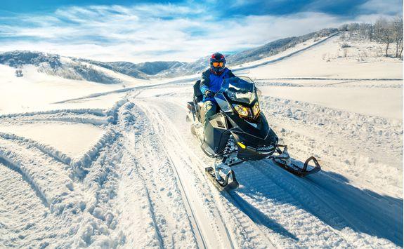 Snowmobile riding in Lulea
