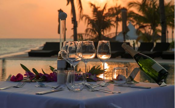 maldives-sunset-dinner