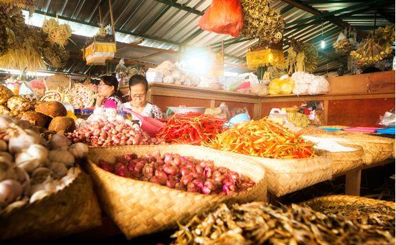 A food marketing in Bali