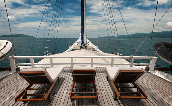 Touring the Komodo Archipelago on a boat