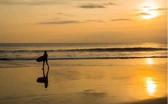 Seminyak surf beach
