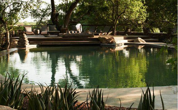 boulders pool