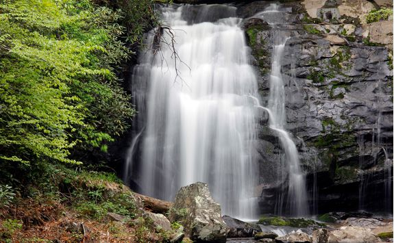 waterfall in great smoky mountains national park