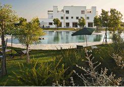 Furnirussi pool and garden