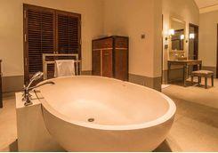 cape weligama bath